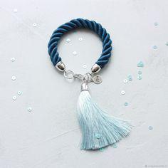 Купить Браслет Синий с голубой шелковой кистью - тёмно-синий, голубой, синий браслет