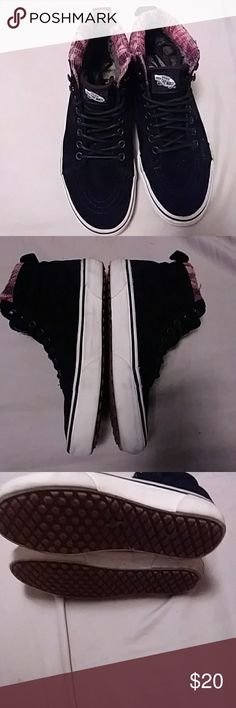 Vans fleece lined shoes size 7.5 good condition. Fleecw inside vans and cool aztec fabric on these high tops. Size 7.5 women's Vans Shoes Sneakers
