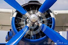 https://thumbs.dreamstime.com/x/screw-airplane-fragment-propeller-engine-close-up-plane-62512817.jpg