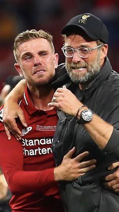 When Hendo and Klopp cried together winning 2019 CL. Liverpool Fc Champions League, Liverpool Uefa, Liverpool Players, Liverpool Fans, Liverpool Football Club, Manchester United Wallpaper, Liverpool Fc Wallpaper, Liverpool Wallpapers, Premier League