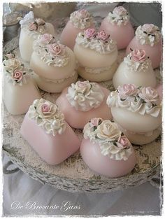 23 Ideas For Cupcakes Pretty Beautiful Tolle Cupcakes, Fun Cupcakes, Mini Wedding Cakes, Wedding Cookies, Cupcake Frosting Tips, Cupcake Cakes, Fancy Cakes, Mini Cakes, Beautiful Cupcakes