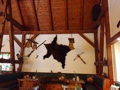 Für alle die im Rügenurlaub auch einmal lecker Wild essen wollen, empfehlen wir die Jägerhütte im Park von Putbus. Das Restaurant ist wunderschön eingerichtet und Essen hat sehr gut geschmeckt.