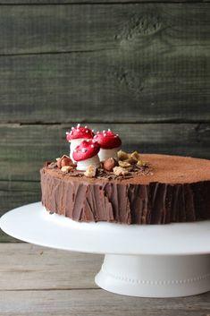 Hazelnut and chocolate cake - HQ Recipes Food Cakes, Cupcake Cakes, Cake Recipes, Dessert Recipes, Log Cake, Cake & Co, Salty Cake, Holiday Cakes, Pretty Cakes