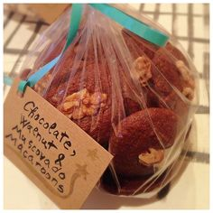 Homemade Christmas gifts - chocolate muscovado macaroons, recipe Dan Lepard