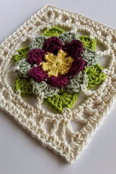 Fhool square ~ free pattern ༺✿ƬⱤღ  https://www.pinterest.com/teretegui/✿༻