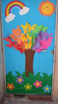 spring bulletin boards and classroom ıdeas archives for kids Spring or a great kindness tree This post was discovered by Dá Decoration Creche, Board Decoration, Class Decoration, Preschool Door, Preschool Activities, School Door Decorations, Spring Bulletin Boards, Butterfly Tree, School Doors