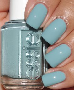 Essie - udon know me (fall collection fall unghii albastre, unghii cu Cute Acrylic Nails, Cute Nails, Pretty Nails, Pink Nails, My Nails, Red Nail, Glitter Nails, Stylish Nails, Perfect Nails
