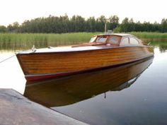 Wooden Boat Plans For Free Plywood Boat Plans, Wooden Boat Plans, Cool Boats, Small Boats, Duck Boat Blind, Wooden Speed Boats, Classic Wooden Boats, Classic Boat, Wooden Boat Building