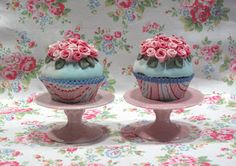 Pretty Cupcakes with flowers