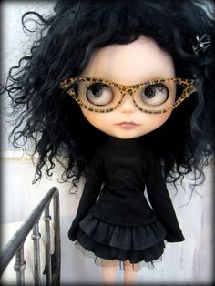 Smart girl Blythe doll. Retro, via Flickr.