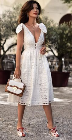 <tie-shoulder dress>