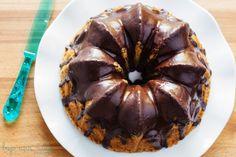 Bizcocho de Crème Fraîche y Glaseado de Chocolate