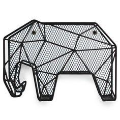 Op slag verliefd toen we 'm zagen. Deze stoere, metalen, zwarte olifant is een ware instagram hit! Als brievenhouder te gebruiken op tafel/aan de wand of hang j