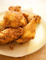 Oven-Fried Chicken Drumsticks Oven Fried Chicken - Really comes out crisped! I subbed Emeril's Essence for the poultry seasoning. Works with thighs also, didn't try any white meat. Easy Oven Fried Chicken, Buttermilk Fried Chicken, Fried Chicken Recipes, Meat Recipes, Cooking Recipes, Roasted Chicken, Balsamic Chicken, Recipes For Chicken Legs, Chicken
