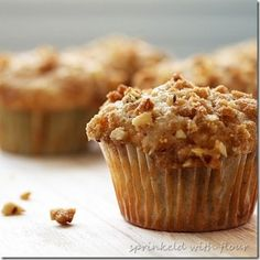 Tuesday Treats: Apple Pie Streusel Muffins