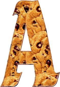 Alfabeto de galletas con chips de chocolate.