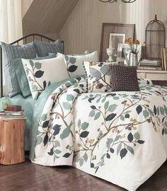Roupa de cama cheirosa é tudo de bom! Temos vários opções de águas perfumadas para tecidos aqui na Florana!