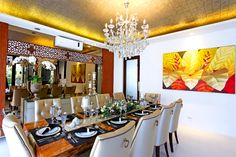 Sophisticated style for Bea Alonzo's Quezon City house Real Living Philippines Elegant Dining, Modern Dining Table, Best Dining, Luxury Furniture, Home Furniture, 10 Seater Dining Table, Bea Alonzo, Dining Area Design, Small Space Kitchen