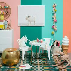 Unicorn doll is so happy at this playroom from @ohjoy 😍