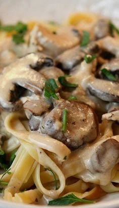 Chicken Mushroom Fettuccine (pasta) I used leftover rotisserie chicken & used heavy cream instead of evaporated milk. Pasta Recipes, Chicken Recipes, Dinner Recipes, Cooking Recipes, Healthy Recipes, Meat Recipes, Healthy Meals, Dinner Ideas, Healthy Food