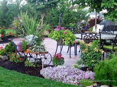 This Grandmother's Garden: You've Got to Have A Dream...I think these people did an amazing job on their flagstone patio, beautiful!!!