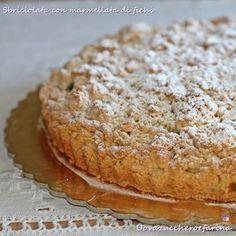 La torta sbriciolata alla marmellata di fichi è una di quelle ricette da tenere sempre a portata di mano per quando volete concedervi una pausa golosa.
