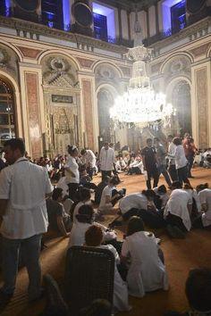 Selçuk Şamiloğlu'nun objektifinden camide yaşananlar 2 haziran 2013 Bezmi Alem Valide Sultan Camisi