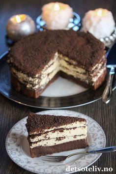 Dronning Maud-konfektkake   Det søte liv Cake Recipes, Dessert Recipes, Norwegian Food, Dark Chocolate Cakes, Sweet And Salty, Let Them Eat Cake, Yummy Cakes, Cake Cookies, No Bake Cake