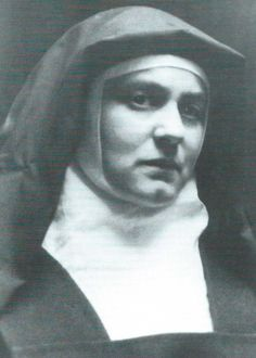 From Atheist Jewish Philosopher to Carmelite Nun and Saint: The Remarkable Life of Edith Stein Faith Of Our Fathers, Faith In God, St Edith Stein, Catholic Company, Bride Of Christ, Santa Teresa, Blessed Mother, Persecution, Saints