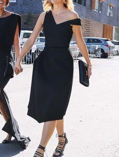 01ab00d6a6a Oui à la petite robe noire légèrement déstructurée ! (robe Maticevski)  Tendances Chic