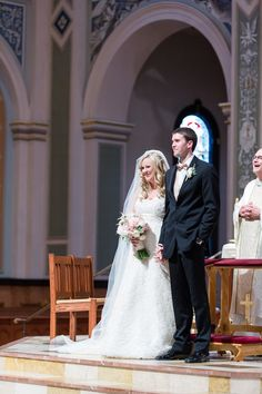 Bride and Groom Ceremony | Cathedral-of-the-blessed-sacrament-wedding-sacramento-california-photographer-elks-tower