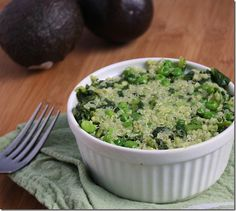 Green Vegetable Quinoa with avocado peas steamed kale and a little salt. Vegetable Quinoa, Vegetable Dishes, Vegetable Recipes, Whole Food Recipes, Diet Recipes, Vegetarian Recipes, Healthy Recipes, Steamed Vegetables, Veggies