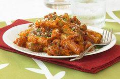 Le mélange de saucisses italiennes et de vinaigrette piquante donne énormément de saveur à ce plat tout simple.