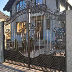 Wholesale simple iron gate grill designs aluminum swing gate From m.alibaba.com