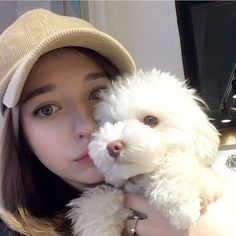 Not my dog,I just keep on taking pictures and playing with them. Angelina Danilova, Blonde Hair With Bangs, Cute Nerd, Aesthetic Women, Girl Photo Shoots, Western Girl, Girls Selfies, Girly Pictures, Girl And Dog