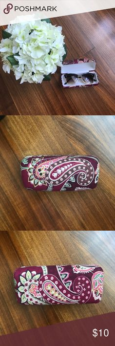 Vera Bradley hard glasses case There's some wear on all four corners of the case. There's also some brown marks in the interior of it. Vera Bradley Other