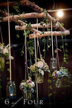 Natural elements, mason jars and the twig ladder make this wedding settings more than visually appealing. http://hative.com/diy-ideas-with-twigs-or-tree-branches/ More
