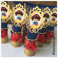 Tubetes com tag, flores, dourado e muito amor @lainacarneiro  #tubete #tubetepersonalizado #tubetebrancadeneve #festaprincesa #temamenina #papelariapersonalizada #personalizadosdeluxo #scrap #scrapfesta