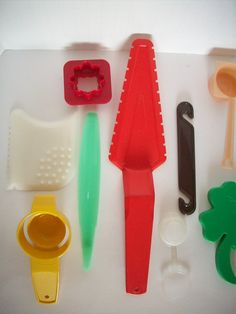 Vintage Tupperware Plastic Kitchen Accessories, via Etsy.
