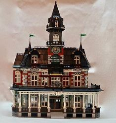 The Castle of the LEGO Rockies, the Glacier Falls Lodge has everything for your minifigures' dream vacations! Just a short tour bus ride away from Brickler Mountain National Park, this set is sure to provide your minifigures with a fantastic 5 star . Lego Village, Lego Builder, Minecraft, Lego Trains, Lego Modular, Lego Worlds, Lego Projects, Design Projects, Lego Photography