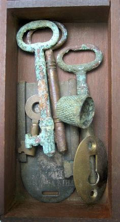 """""""Where there is a Key, there is yet hope."""" ― Catherynne M. Valente, The Girl Who Circumnavigated Fairyland in a Ship of Her Own Making Knobs And Knockers, Door Knobs, Door Handles, Under Lock And Key, Key Lock, Antique Keys, Vintage Keys, Shabby, Old Keys"""