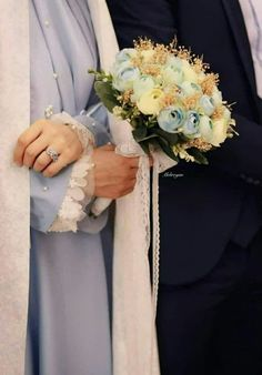 Cute Muslim Couples, Muslim Girls, Cute Couples, Wedding Poses, Wedding Portraits, Muslim Wedding Dresses, Bridesmaid Dresses, Beauty Iphone Wallpaper, Cute Couple Images
