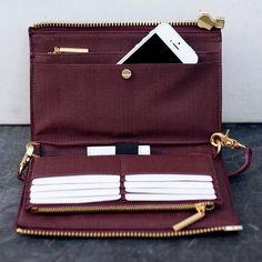 Dagne Dover | Oxblood Clutch + Wallet Diese und weitere Taschen auf www.designertaschen-shops.de entdecken