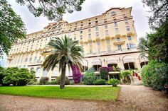 CANNES OXFORD -  Beautiful bourgeois-style apartment of 345m² in an ancient classified Palace with park and caretaker that used to belong to Cesar Ritz in 1887!