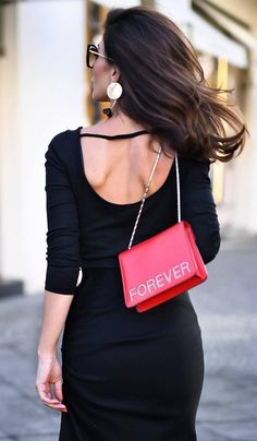 A black dress that you need to purchase this immediately