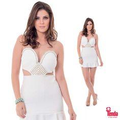 Vestidos brancos em múltiplas versões conquistaram as passarelas internacionais da moda. Nas #LojasTenda, afinadíssimas com a super tendência, ganha destaque este vestido super fashion, com detalhes vazados que são um luxo!