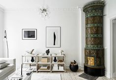 Swedish Style Around the Kakelugn Scandinavian Apartment, Scandinavian Living, Scandinavian Design, Living Room Green, Living Room Interior, Swedish Style, Nordic Home, Deco Furniture, Elle Decor