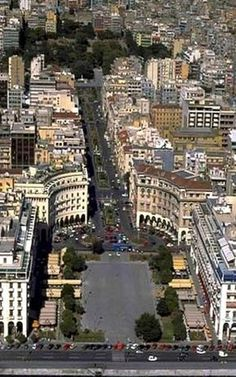 Aerial View Of Aristotelous Square in Thessaloniki Greece (This is the square we stayed at and had a few dinners. Mykonos, Santorini, Patras, Oh The Places You'll Go, Places To Travel, Places To Visit, Beautiful Islands, Beautiful Beaches, Macedonia Greece