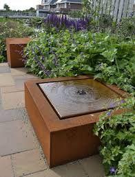 cortenstaal bench - Google zoeken Water Tables, Weathering Steel, Fire Bowls, Spanish House, Contemporary Garden, Garden Edging, Garden Accessories, Garden Art, Garden Ideas