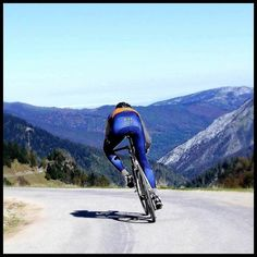 Taking a downhill corner do you like the feeling? I do. #cyclingrace #bicidacorsa #cyclingday #cyclingtour #cyclinglove